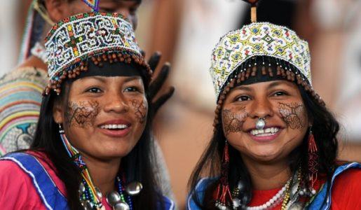 Francisco y los jóvenes de la Amazonía
