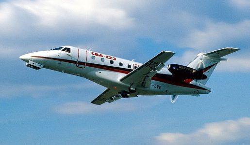 Un avión para resucitar una fábrica (II)